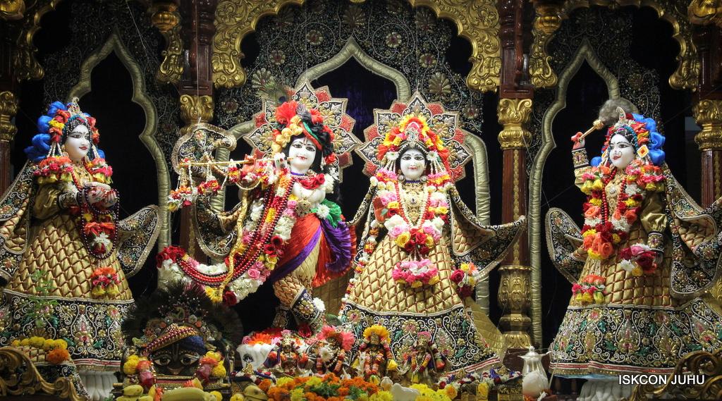 ISKCON Juhu Sringar Deity Darshan on 24th September 2016 (1)