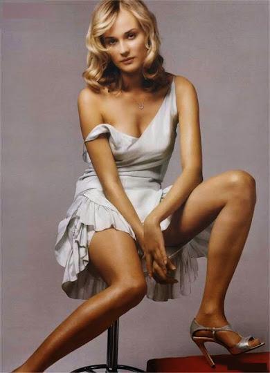Diane Kruger, sentada