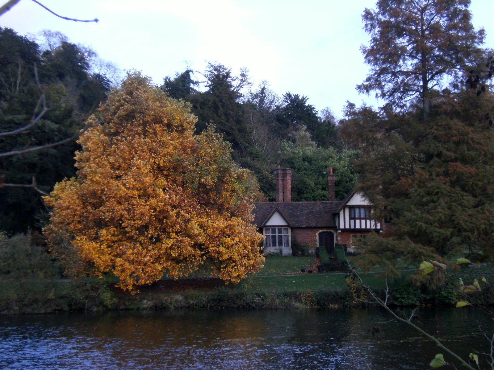 1011040060 Cottage on the Cliveden estate