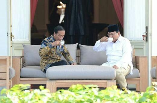 Ngopi Bareng Di Istana Negara, Presiden Jokoei dan Prabowo Panen Pujian