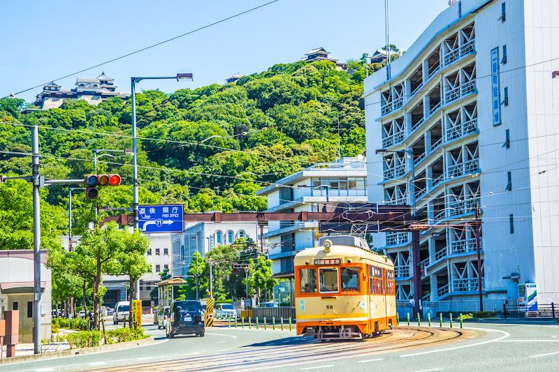 松山城 路面電車 1