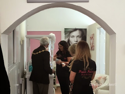 liverpoollashes liverpool lashes salon decor decoration pinkies polished chorley
