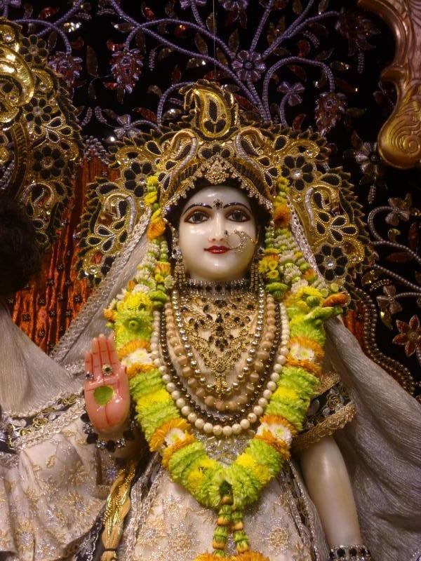 ISKCON Bhaktivedanta Manor Deity Darshan 16 Dec 2015 (6)