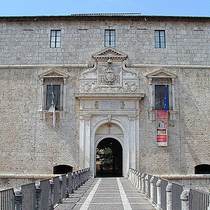 Noto in tutto il mondo per la sua natura, l'Abruzzo offre ai visitatori una fitta rete di musei.