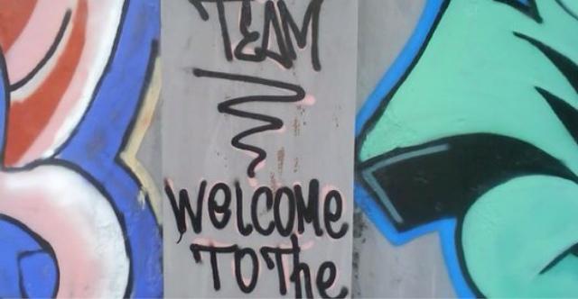 Berbau SARA, 4 Graffiti Dibersihkan DKP