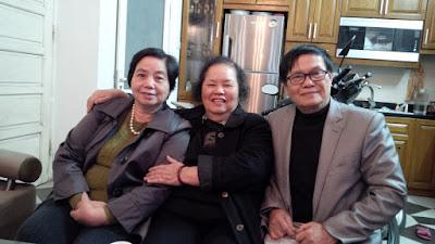 ba chị em tại nhà chị Oanh