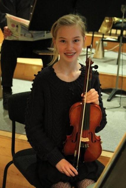 Elever fra Orkesterskolen med Sigurd og Michael Bojesen 7/6 2012 - Symfonien%2BF2012%2B-%2BSigurd%2B%2526%2BMichael%2BB%2B%252877%2529.jpg