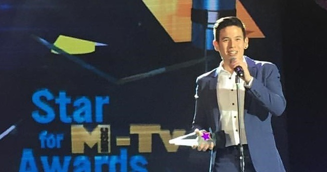 Jake Ejercito accepting his Star Awards Best New Male TV Personality