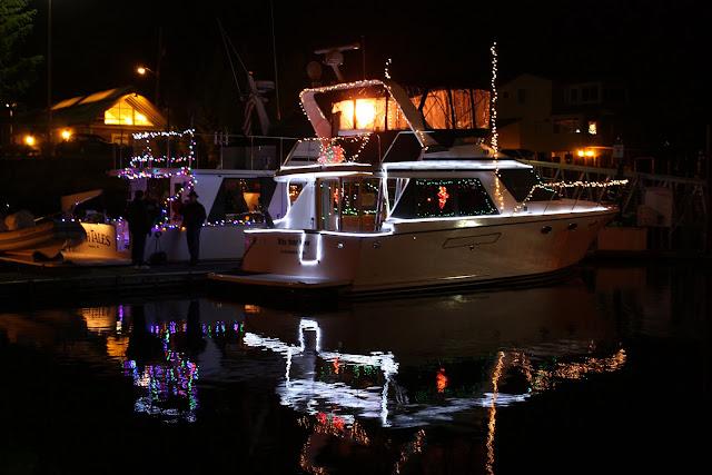 2009 Christmas Boat Parade - IMG_2695.JPG