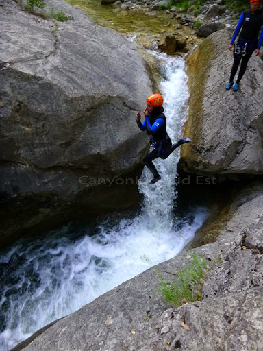 Saut canyoning cramassouri