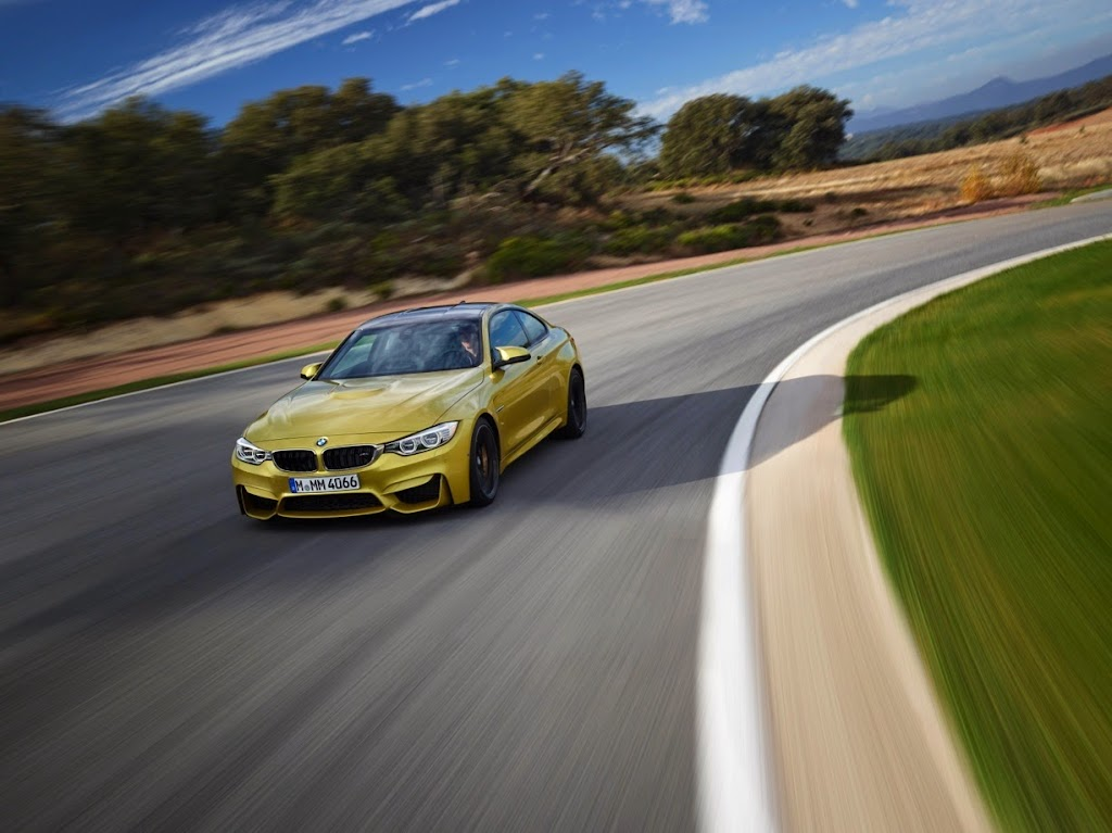 2015 BMW M4 Coupe 11