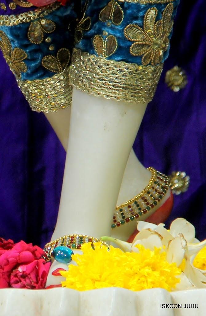 ISKCON Juhu Sringar Deity Darshan on 1st May 2016 (37)
