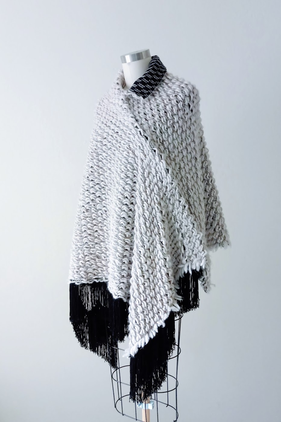Asymmetrical Knit Cape - DIY Fashion project | fafafoom.com