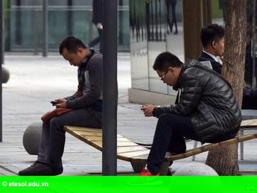 Hình 1: Doanh số smartphone tại Trung Quốc giảm lần đầu trong 6 năm