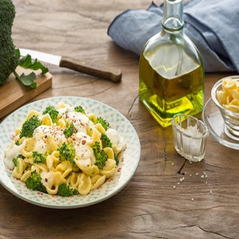 Scopri cosa cucinare a Pasqua: Pasta con broccoli e crescenza.