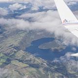 Vue aérienne sur le lac de Cuicocha et le Cotocachi. 15 décembre 2013. Photo : J.-M. Gayman