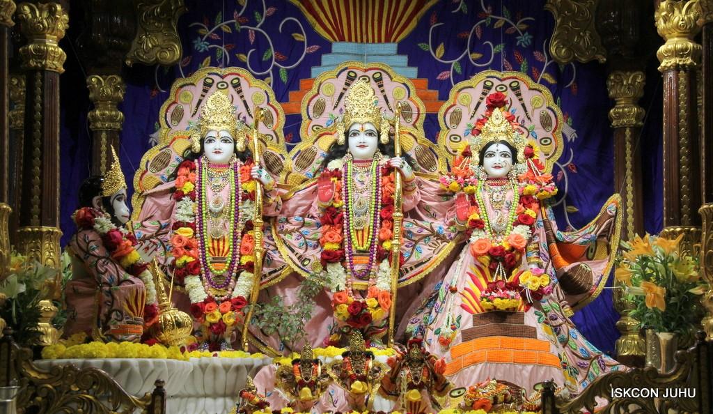 ISKCON Juhu Sringar Deity Darshan 10 Jan 2017 (50)