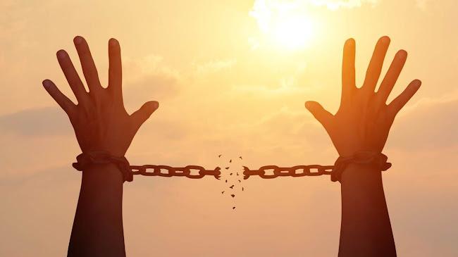 Làm sao để vượt qua cám dỗ của cuộc đời?