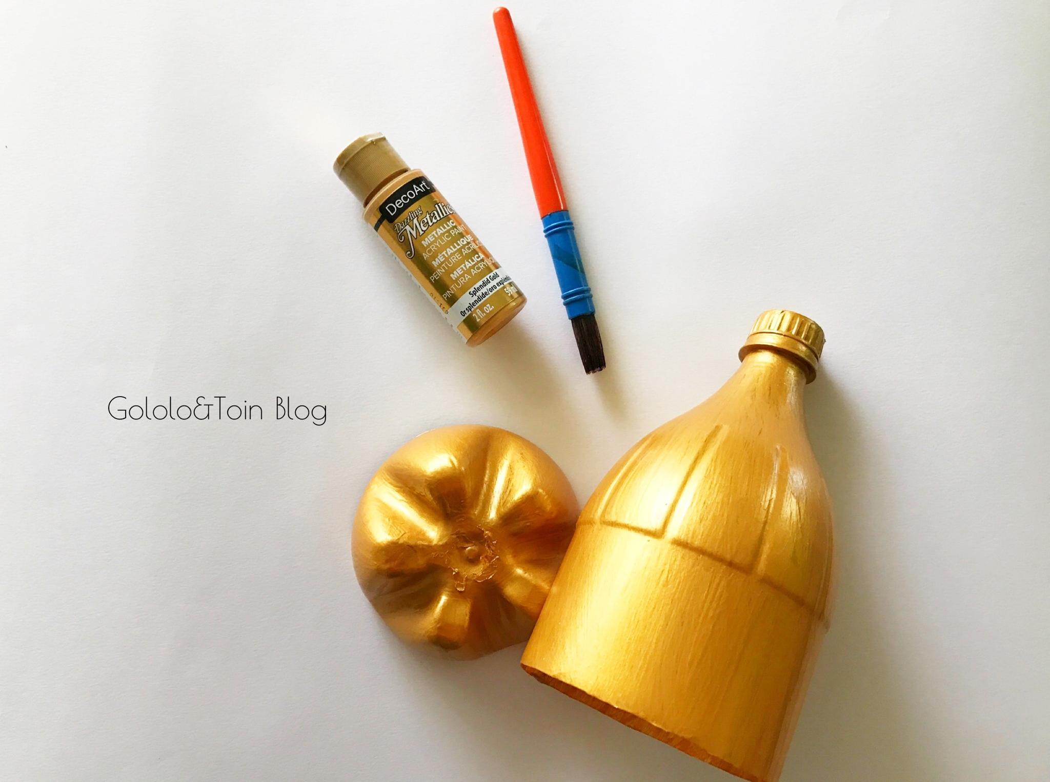 Trofeo con botella de pl stico para el d a del padre - Como pintar botellas de plastico ...