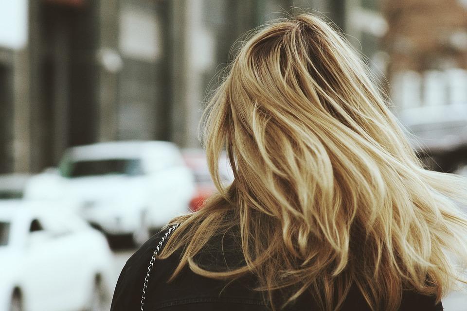 [blond-1845022_960_720%5B4%5D]