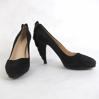 **CLEARANCE** Prada Heel Detail Pumps