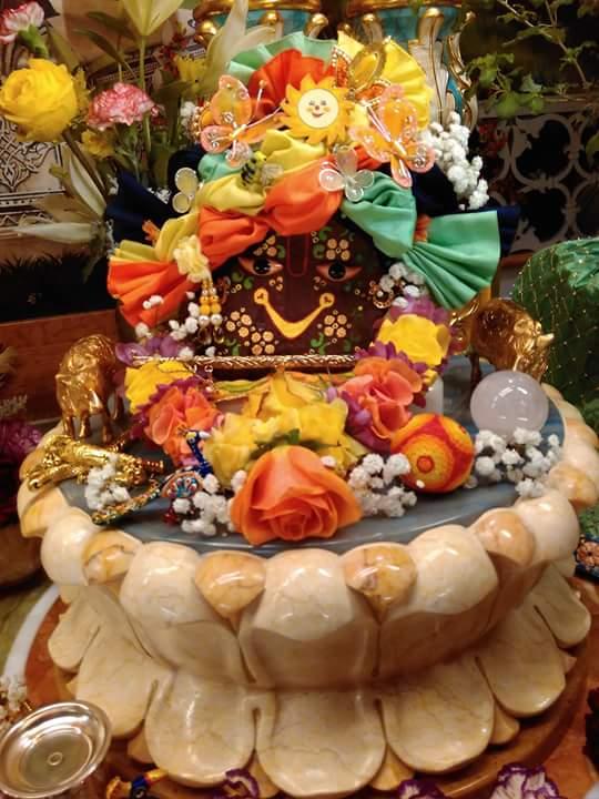 ISKCON Hungary Deity Darshan 24 Dec 2015 (18)