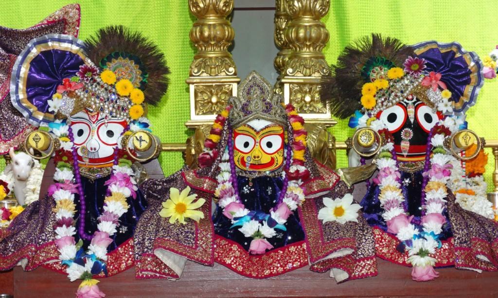 ISKCON Punjabi Bagh Deity Darshan 16 Mar 2016 (12)