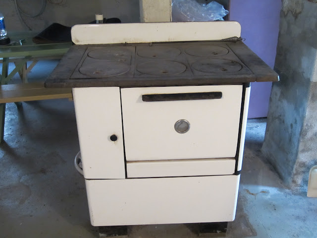 Then we have an old Monarch electric/wood cook stove/oven. So ... so what. - EPA's Wood-Burning Stove Ban Has Chilling Consequences For Many