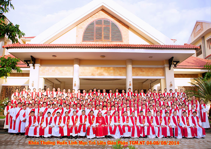Khóa thường huấn linh mục trẻ liên Giáo phận 2014 tại Tòa Giám Mục Nha Trang.