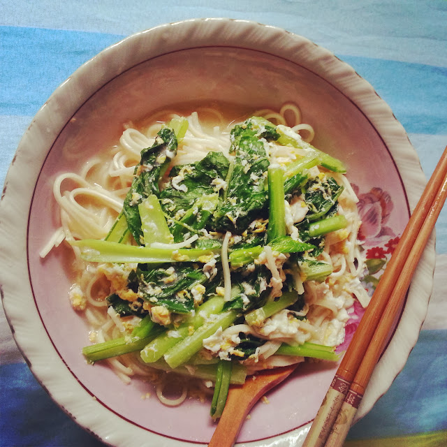 quick-to-cook noodles for breakfast by ServicefromHeart