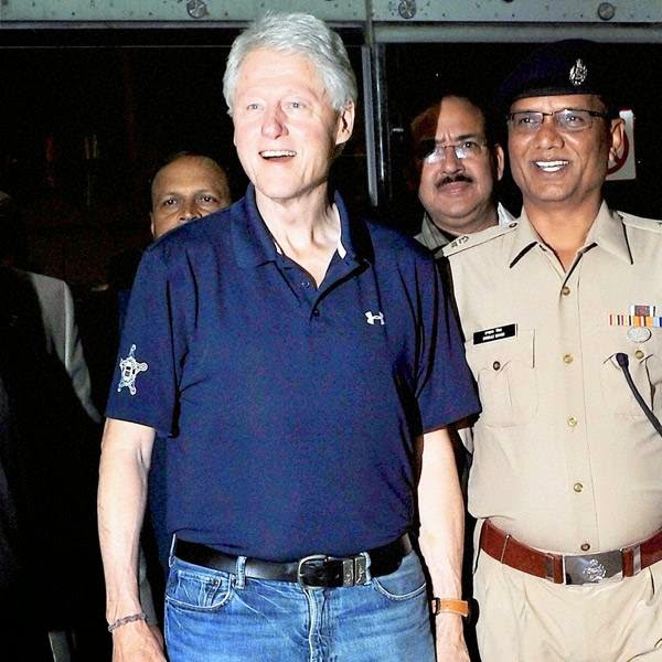 Clinton landed with his delegation at the international airport at Sanganer from where they left for a hotel amidst tight security.