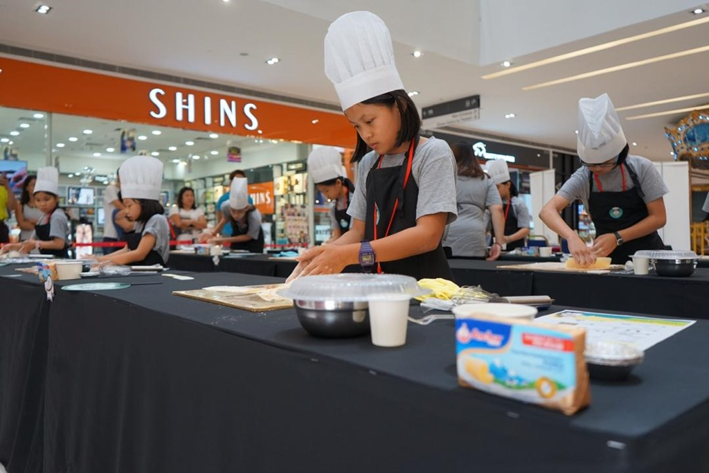 [SMART+JUNIOR+CHEF-NOW+EVERY+KID+CAN+COOK%21+%284%29%5B2%5D]