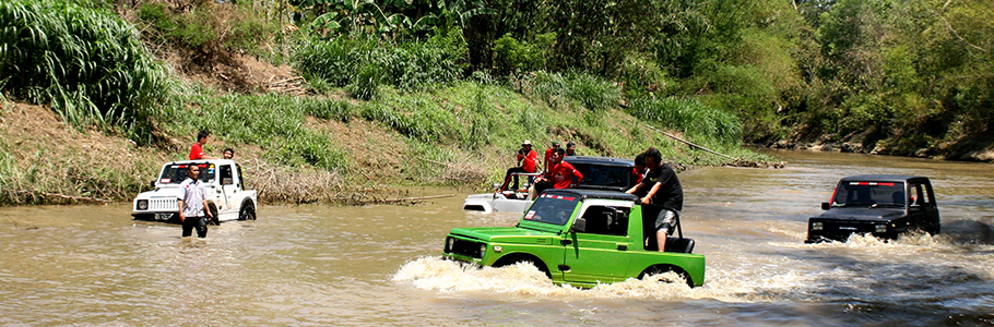 Off Road Melintasi Sungai