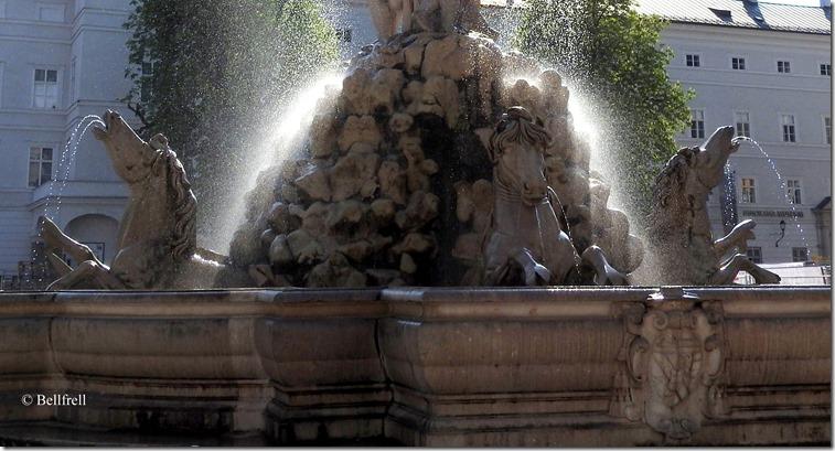Residenzbrunnen 3