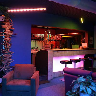 Venez vous désaltérer au bar. Plutôt soft, ou plutôt alcool ? Il y en a pour tous les goûts.
