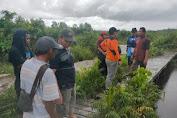 BPBD Kayong Utara Lakukan Pencarian Orang Hilang Di Sungai Paduan.