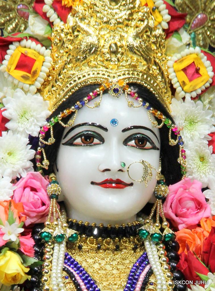 ISKCON Juhu Sringar Deity Darshan on 24th September 2016 (34)