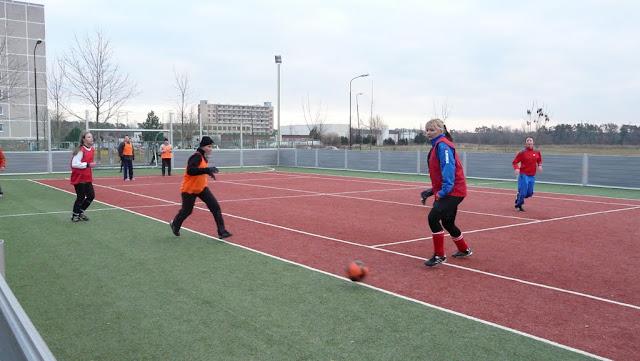 Priateľský futbalový zápas žien z JUHu a z Lábu - P1070341.JPG