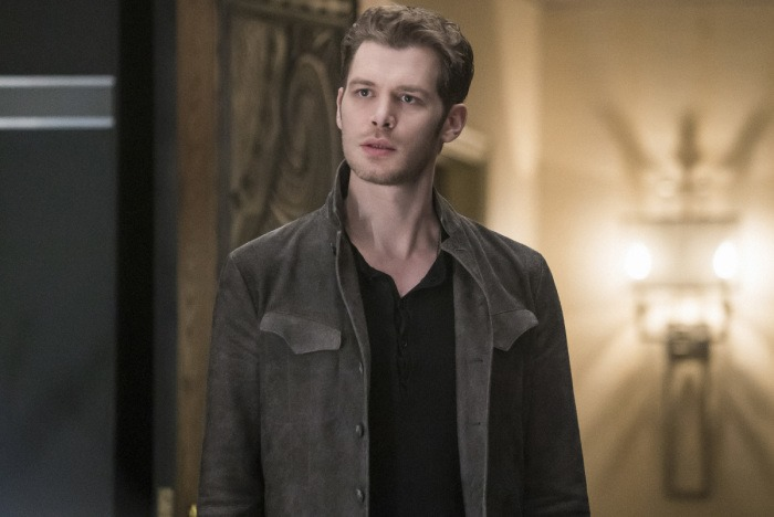 [the-originals-season-4-queen-death-photos-3%5B3%5D]
