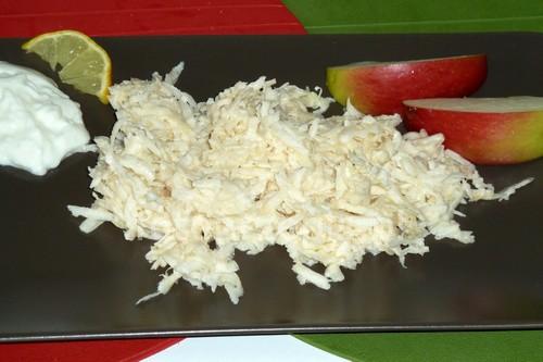 Surówka z selera z jabłkiem zdrowe wegetarianskie warzywa szybkie salatki przystawki obiad latwe europejska codzienne  przepis foto