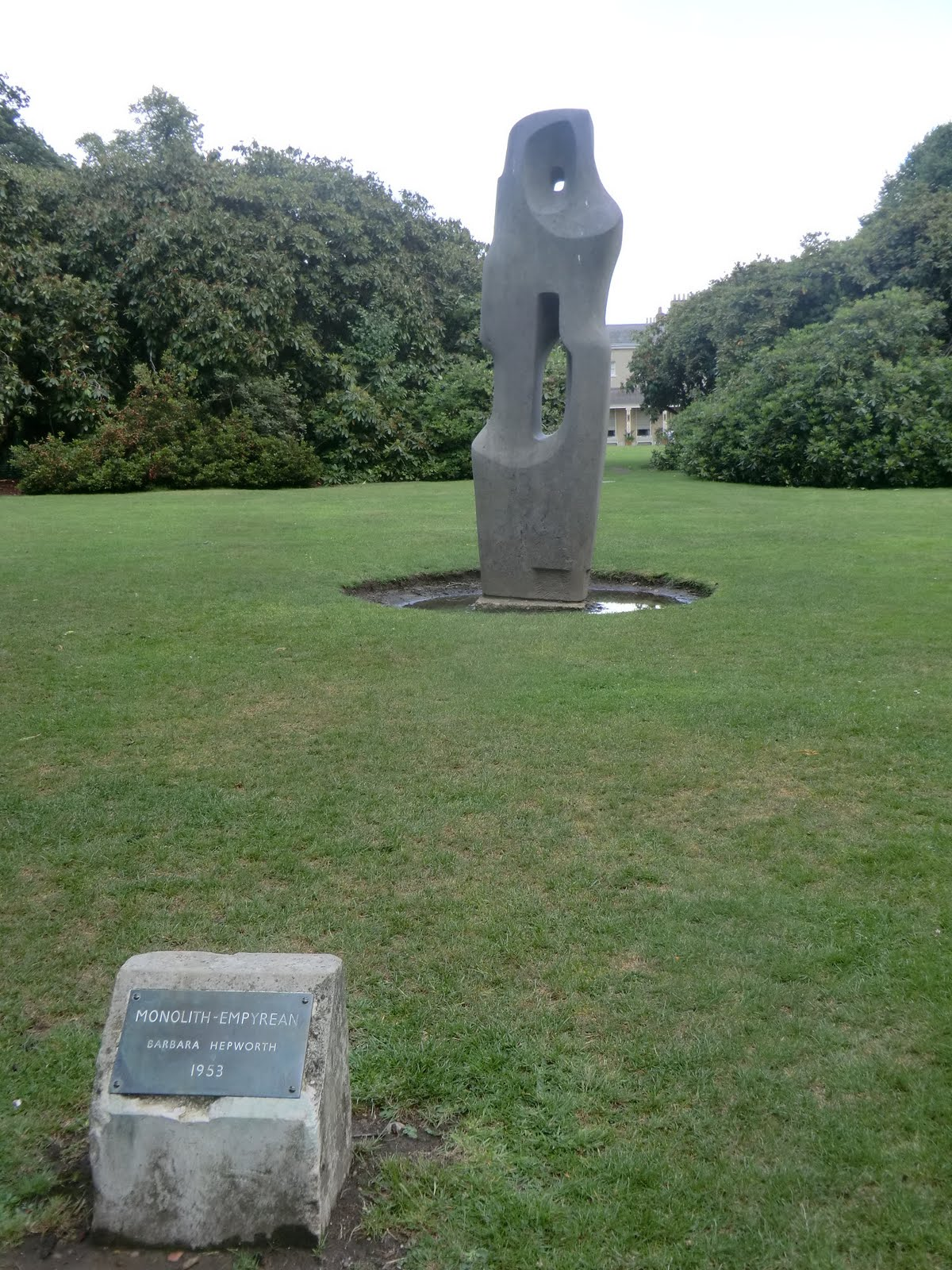 CIMG9361 Barbara Hepworth sculpture, Kenwood Estate