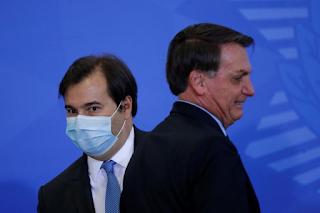 Bolsonaro diz que Rodrigo Maia atrapalhava seu relacionamento com o Parlamento