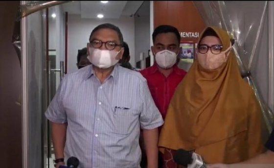 Nia Ramadhani Ditangkap oleh Polisi Bersenjata, Pengacara Protes