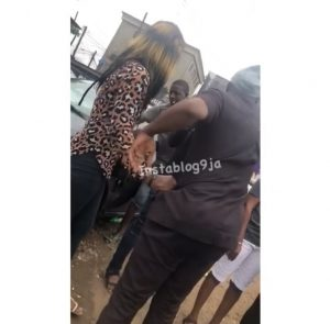 Man Disgraced By A Sex Worker In Lagos After Refusing To Pay Her (Photos & Video) 4