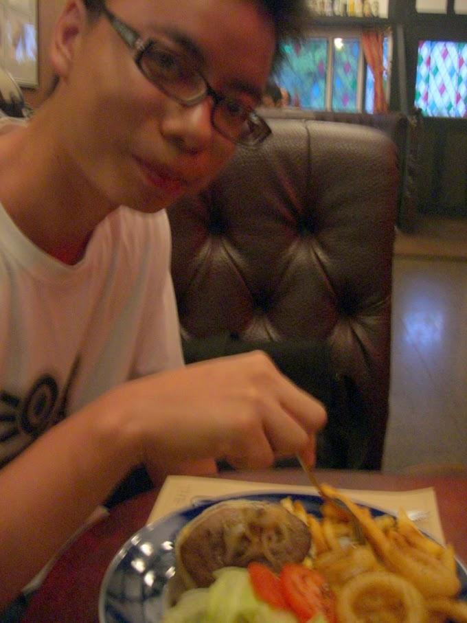 嘉義市【金鷹餐廳】蠻有英國氣氛的餐廳