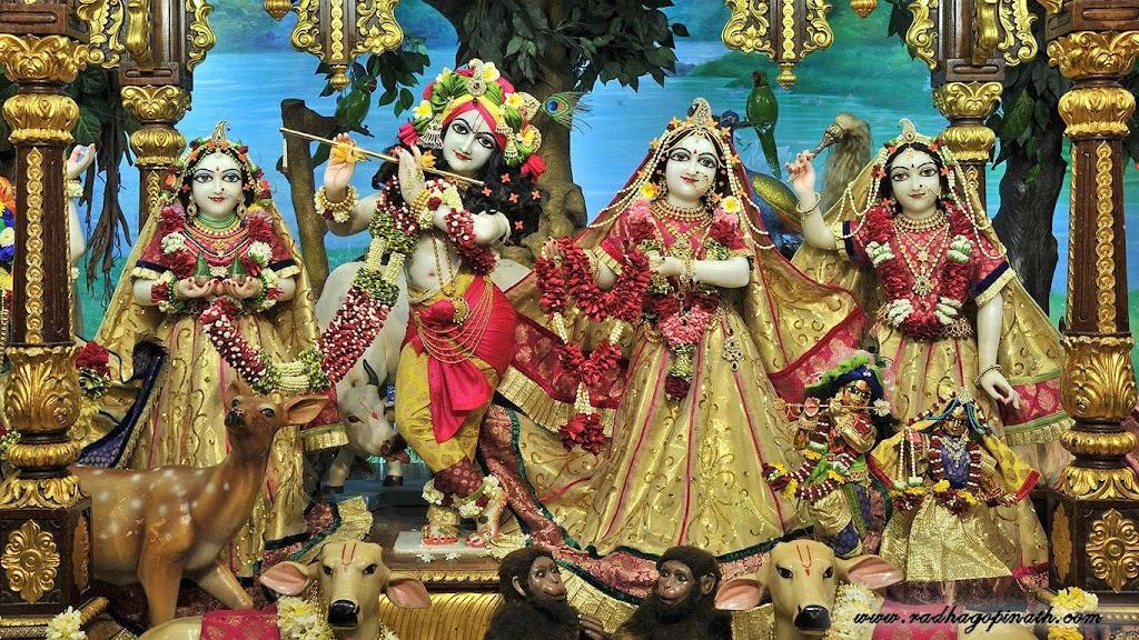ISKCON Chowpatty Deity Darshan 14 Dec 2015 (1)