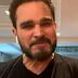 LUCIANO DESABAFA POR NÃO TER IDO AO ENTERRO PAI: 'COVID TIROU ÚLTIMO ABRAÇO'