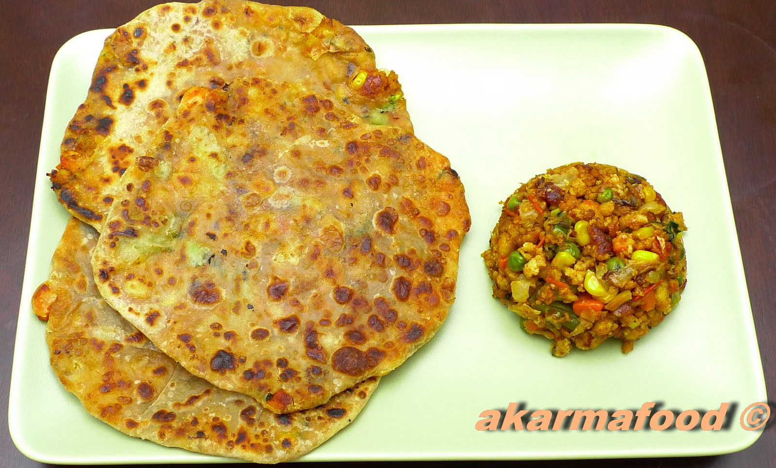 Paneer with Mixed Veggie Paratha / Cottage Cheese Veggie stuffed Flat ...