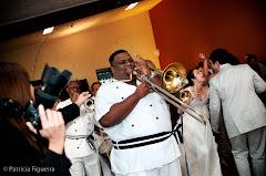 Foto 1432. Marcadores: 13/06/2009, Banda, Casamento Flavia e Daniel, Cordao do Bola Preta, Teresopolis