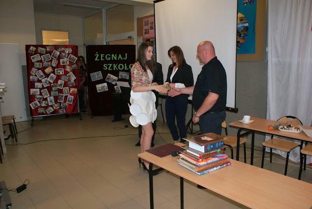 Pożegnanie klas 3 gimnazjum - DSC03127_1.JPG